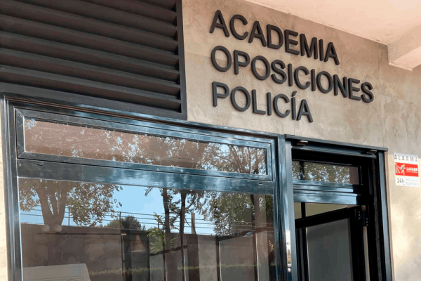 empezar a estudiar la oposición de Policía Nacional